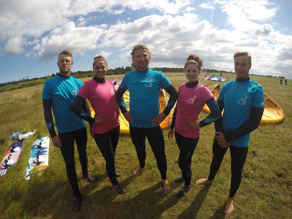 Instruktorzy kursów kitesurfingu